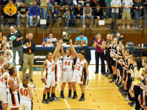 Seniors Mercy, Audrey, Hannah and Ashley hold D9 Championship plaque, as Lady Gators in show of sportsmanship applaud