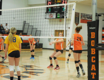 Junior High Volleyball Splits With Union (04/03/14)